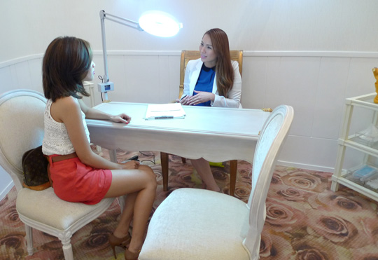 Interviewing Dr. Jennie De Jesus, associate dermatologist at the Aivee Clinic at Mega Fashion Hall.