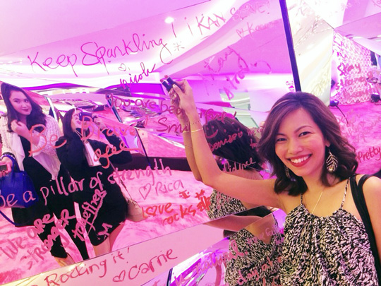 Signed with love! This mirror is called the freedom wall where you can write a feel-good note. My message? Keep Sparkling, of course! Each note counts as a P300 pledge for the ICanServe Foundation.