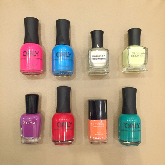 If you want to make your own color combos, think of which color will be beside each finger to make your mani look prettier.