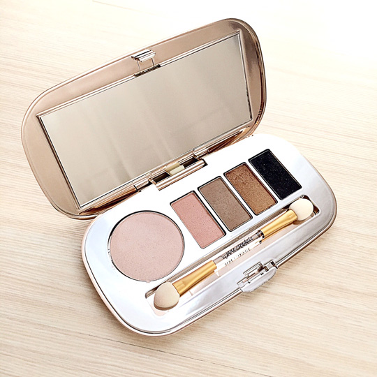 Jane Iredale Eye Shadow Kit in Getaway, P2,450.