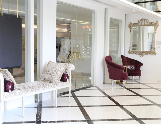 Here's a peek at the luxurious lobby at the Aivee Clinic Alabang.