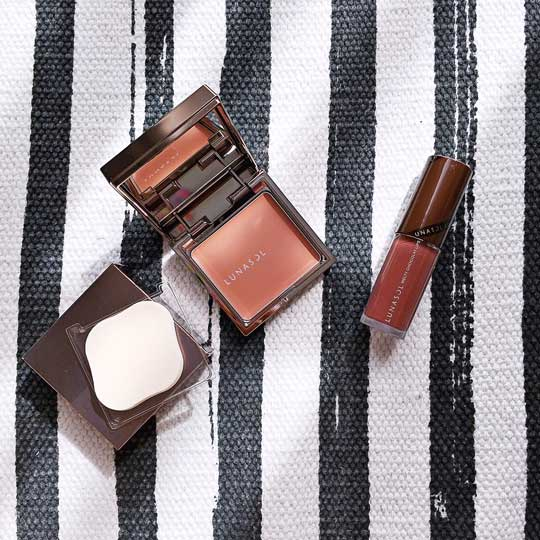 These would be my top picks: Lunasol Coloring Cream Cheeks (P1,925) and the Melty Chocolat Lips (P1,540).