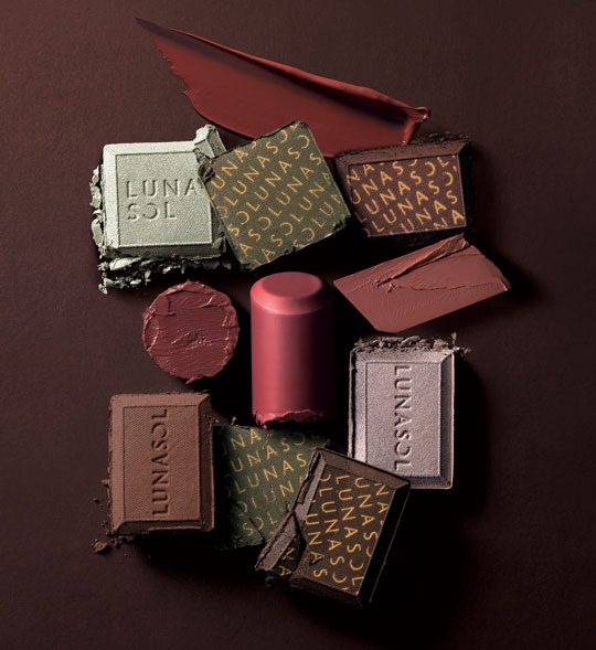 BRB, looking for chocolate now! Hehe, told you their makeup looks good enough to eat!! BRB