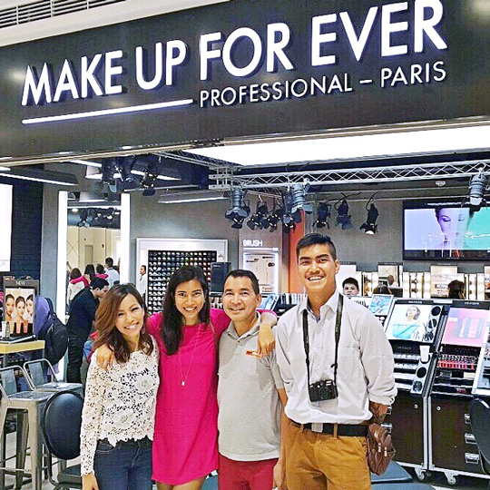 Checking out the MUFE store at the Mega Fashion Hall with the fambam. Yes, I force them to go makeup shopping with me :p