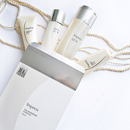 I used the 10th Anniversary Impress Lotion Kit from Kanebo, P6,000. It's valued at P11,000 with all the products–but you get all this for the price of the150ml lotion.