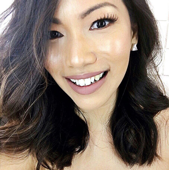 I'm all about the glow! Look at how much highlighter I had on for the shoot—loved it!