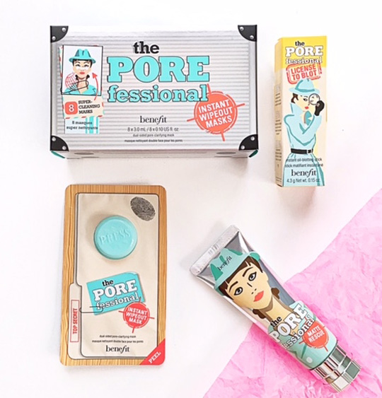 That's the Benefit Porefessional Matte Rescue Gel, License To Blot, and Instant Wipeout Masks set.