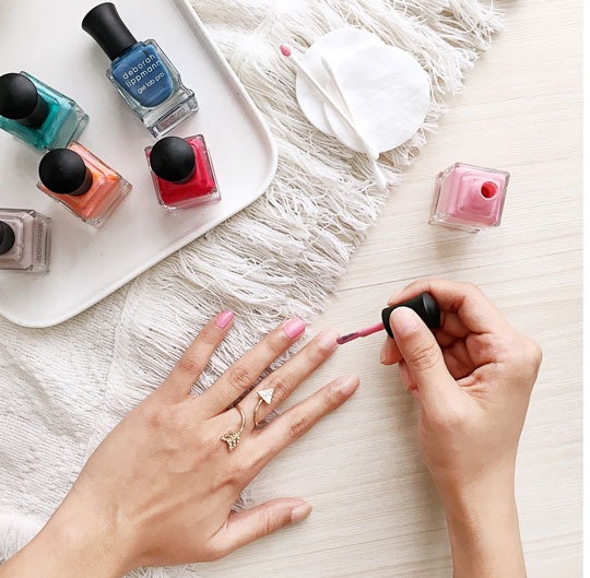 But if manis are more your thing, then you'll probably want to hear about these gel polishes from Deborah Lippmann! Hint: I super heart them!