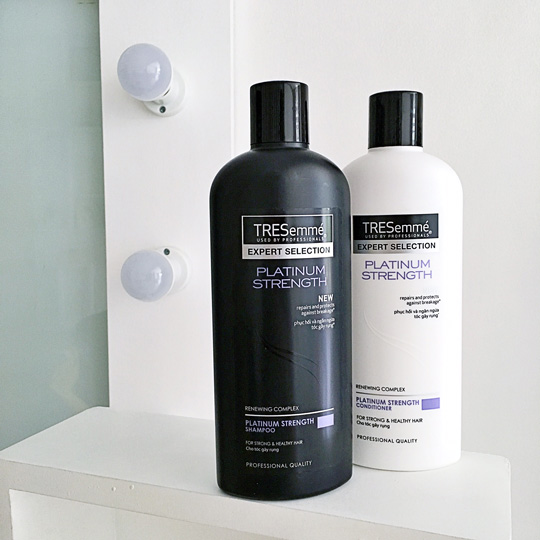 styling hair with conditioner frizzy hair try these amp sparkle 8471